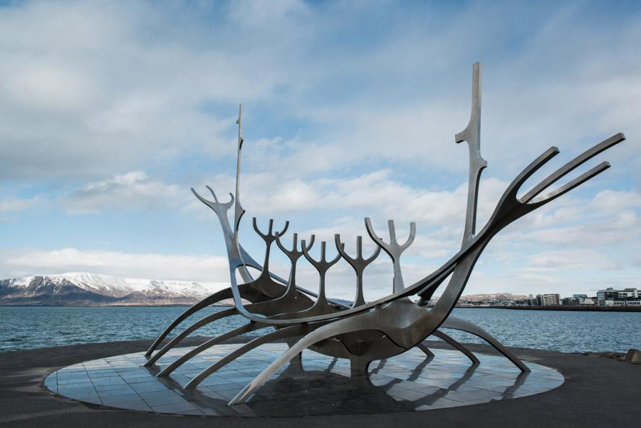 road trip islande reykjavik sculpture