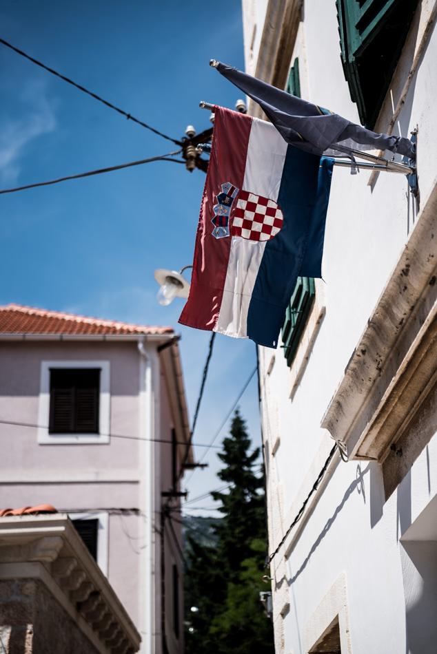 Road-Trip en Croatie - Voyage d'une semaine - pause déjeuner sur l'île de Brac (Bol)