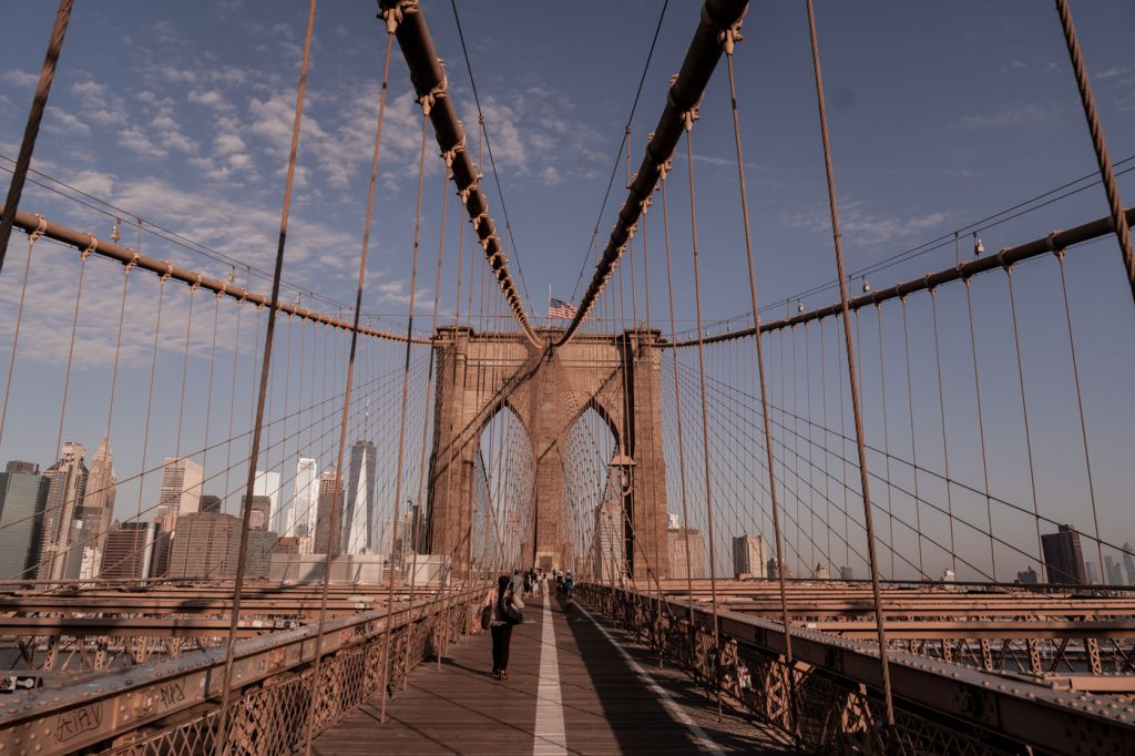 Brooklyn Bridge, New York, au lever du soleil