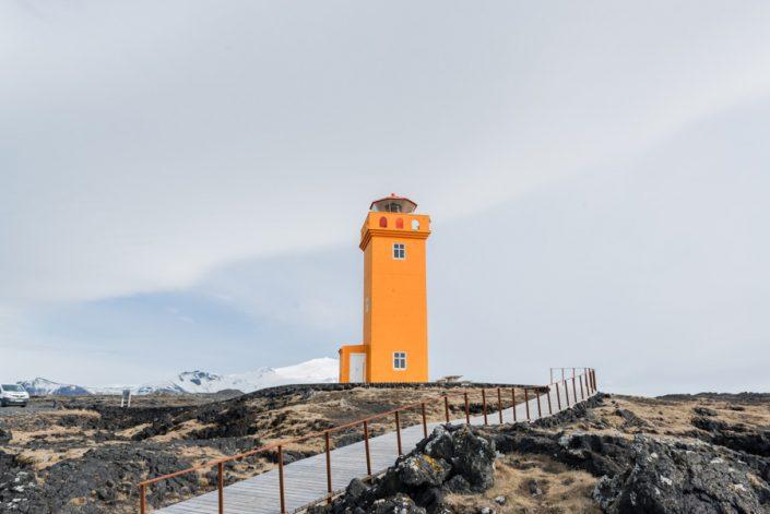 phare orange islande